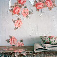 EN MI ESPACIO VITAL: Muebles Recuperados y Decoración Vintage: Pasión por el detalle: flores y vintage {Passion for details: flowers and vintage}