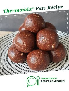 Recipe Quick Cacao & Peppermint Bliss Balls - Nut & Dairy Free by nutrish_ez, learn to make this recipe easily in your kitchen machine and discover other Thermomix recipes in Desserts & sweets. Dairy Free Recipes, Vegan Gluten Free, Peppermint Bliss, Easy Slice, Sweets Recipes, Desserts, Doterra Recipes, Bliss Balls, Nut Free