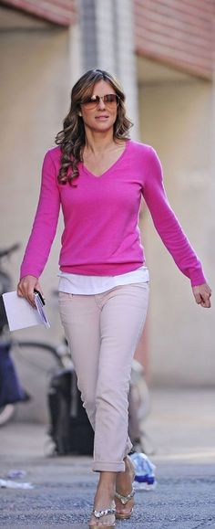 Liz Hurley on the Set of Gossip Girl in NY, Aug 30