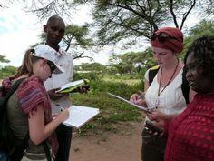Človek v ohrození poskytuje spoločne s partnerskou organizáciou NECOFA zázemie pre 6 dobrovoľníkov v kenskom mestečku Molo. 4 dobrovoľníčky (z Českej republiky, Poľska, Slovinsky a Franzúzska) spolu s dvoma kesnkými kolegami vycestovali do Kene na 6 mesiacov. Ich úlohou je vytvoriť mapu, ktorá uľahčí pomoc pri humanitárnych katastrofách. Capacity Building, African Countries, Slums, Vulnerability, Kenya, Women, Woman