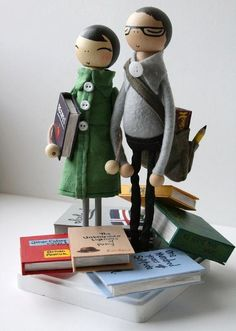 Wedding topper for book lovers