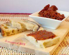 Pesto di pomodori secchi da spalmare sui crostini o sulle bruschette o per condire la pasta. Blog Giallo Zafferano