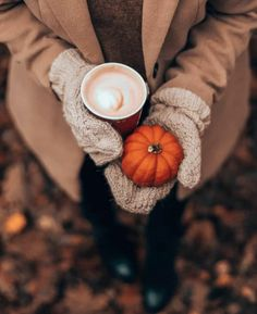 Fall Pictures, Fall Photos, Autumn Cozy, Fall Winter, Outfits Otoño, Autumn Aesthetic, Cozy Aesthetic, How To Make Coffee, Making Coffee