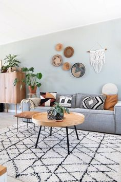 Böhmisches Wohnzimmer - Hints for Women Ethnic Living Room, Living Room Modern, Home Living Room, Living Room Themes, Living Room Designs, Pinterest Room Decor, Color Terracota, Family Room Decorating, Piece A Vivre
