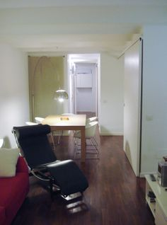 Sala de estar. Dese donde también se ve el comedor y como son las puertas correderas, que no llegan hasta el techo.