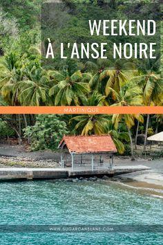 L'Anse Noire est l'une des plages les plus pittoresques de Martinique. C'est un site préservé, en retrait, où on peut venir observer les tortues ! Mais l'Anse Noire a un autre attrait, moins connu : une cabane dans les arbres. On y a passé un weekend mémorable. Ça s'appelle le Domaine de Robinson. A mettre sur la checklist de vos prochaines vacances ou pour un petit séjour en amoureux.