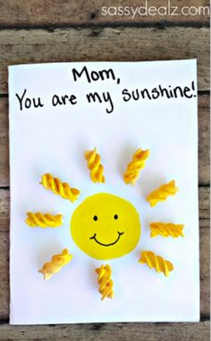 "7 Sunshine Crafts to Brighten Up Summer: ""You Are My Sunshine"" Card"