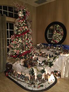 Christmas Tree Village Display, Christmas Tree Train, Unique Christmas Trees, Christmas Mom, Christmas Villages, Xmas Tree, Christmas Crafts, Christmas Deserts, Christmas Village Houses