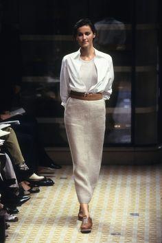 Hermès Spring 1999 Ready-to-Wear Fashion Show 80s Fashion, Work Fashion, Korean Fashion, Runway Fashion, Fashion Show, Vintage Fashion, Fashion Outfits, Fashion Design, Fashion Trends