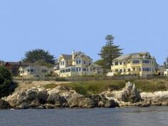 The Seven Gables Inn, Pacific Grove, California. We stayed here for an overnight while attending Naval Postgraduate School in Monterey. They've added some buildings since we were there. Had a magnificent time! Pacific Grove California, Monterey California, Monterey Bay, California Trip, Monterey Hotels, California Living, Northern California, California Activities, Places To Travel