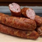 Kiełbasa czosnkowa z pieprzem | Przepisy na domowe wędliny How To Make Sausage, Sausage Making, Polish Recipes, Smoking Meat, Sausage Recipes, Chorizo, Carne, Lamb, Grilling