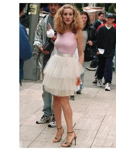 Sex and the City | Carrie Bradshaw in the famous pink tulle skirt on 5th Avenue, 1998