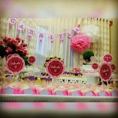 Festa rosa cheia de mimos.