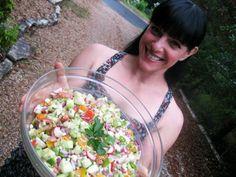 Turkish Chopped Salad | theclothesmakethegirl #paleo
