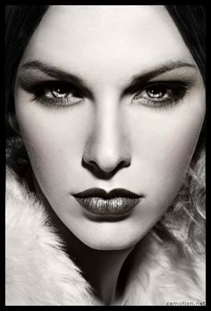 Nighttime makeup from Perfect 365, ArcSoft