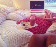 Comfy girly bed with lots of pillows and blankets Dream Rooms, Dream Bedroom, Bedroom Inspo, Bedroom Decor, Bedroom Pics, Bedroom Pictures, Cozy Bedroom, Bedroom Ideas, Roomspiration