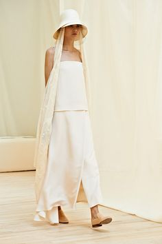 The Row Spring 2014 RTW - Review - Fashion Week - Runway, Fashion Shows and Collections - Vogue