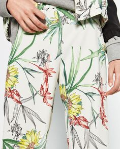 FLORAL LOOSE FIT TROUSERS