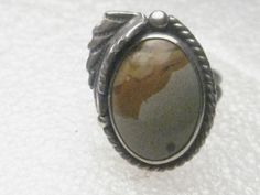 Vintage Sterling SIlver Southwestern/Navajo Jasper Ring, Silver Feather Work, s6