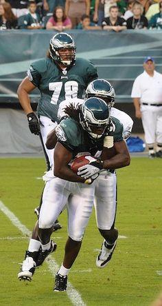 Who I'm cheering for - I am cheering for the Philadelphia Eagles #EsuranceFantasyTailgate