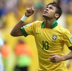 Brazil is lucky to have a player like Neymar on their side ♡ Neymar Jr, Ronaldo, Brazil Players, Neymar Brazil, Image Foot, Sport 2, World Cup 2014, Soccer Players, Football
