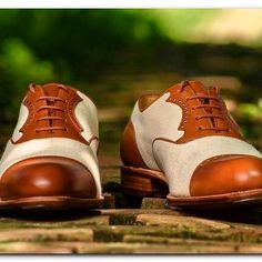 Check out the review that Mr. Cioponea (claymoorslist.com) just published of the canvas/calf summer spectators.    Very proud of it    #carminashoemaker #oldschool #spectator