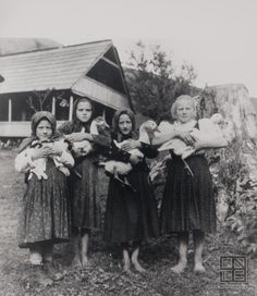 Somewhere in Slovakia, 1927 (Irena Blühová) Old Images, Old Photos, Vintage Photographs, Vintage Photos, Retro Photography, Folk Dance, Vintage Children, Historical Photos, Spirit Animal