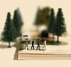 BEATLES miniature calendar dioramas by Tanaka Tatsuya Macro Fotografie, Little People Big World, Tilt Shift Photography, Miniature Calendar, Miniature Photography, Tiny World, Abbey Road, Miniature Figurines, Mini Things