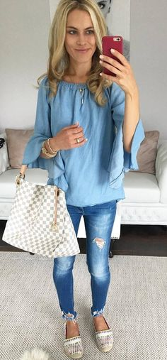 perfect outfit idea top + rips + bag