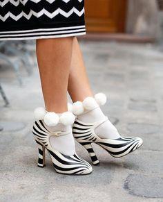 @tatamuc via Instagram Socks And Heels, Ankle Socks, Knee High Stockings, Scandi Chic, Recycled Yarn, High Knees, Knitting Socks, Clothing Items, Hosiery