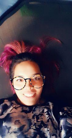 Happy pink Round Glass, Eyes, Glasses, Happy, Pink, Eyewear, Eyeglasses, Ser Feliz, Eye Glasses