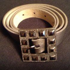 Nine West leather belt Stunning silver belt Nine West Accessories Belts