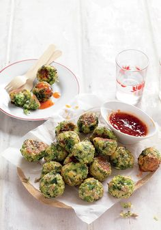 Prep 25 mins   Cook 30 mins   Makes 24 500g broccoli, trimmed and cut into small florets*  3 free-range eggs 1 cups grated tasty cheese 1 cup panko breadcrumbs 2 tbs mixed salad seeds  Sweet chilli sauce or tomato sauce, for dipping  *You'll need 350g broccoli florets.   Step 1 Preheat oven to 200°C fan-forced. Cut broccoli into even-sized florets. Boil, steam or microwave broccoli for 2-3 minutes until just tender. Drain, refresh in cold water then set aside on a plate lined with paper…