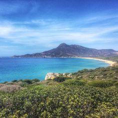Portixeddu Costa Verde.  Mentre vai a Buggerru non puoi non girarti per salutarla.  #Sardegna #sea #amazing #seaview #blue #beautiful #sardinia #nature #sardinien #beach #portixeddu #costaverde #summer #italy #latergram