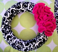 "DIY Wreath - Soooo easy!  I have to make one for the class with a ""K"" inside!  (Yes, Lara, I am on a black and white kick.)"