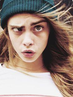 Cara Delevingne Funny, Cara Delevigne, Cara Delevingne Style, Ojos Color Cafe, Selena Gomez, Perfect Eyebrows, Face Expressions, Funny Faces, Scary Faces