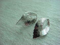 Vintage Leaves Leaf Shaped Earrings Clip Back Silver tone Retro Nature 1 inch #Unbranded #Clip