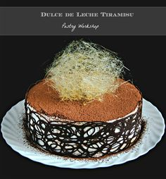 Dulce de leche tiramisu is a treat for both the eye and the taste buds with its beautiful decor and airy dulce de leche mascarpone mousse! Chocolate Cheese, Chocolate Cream, Chocolate Cake, No Bake Desserts, Dessert Recipes, French Desserts, Chef Recipes, Recipies, Tiramisu