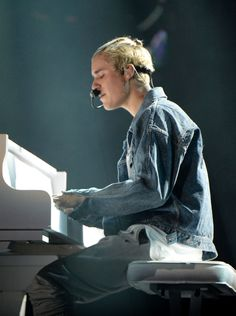 21 Justin Bieber Photos To Help Soothe Your Purpose Tour FOMO