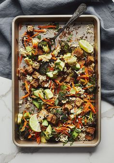 🥦 Tofu and Roasted Broccoli & Peanut Sauce 🍽 Great healthy recipe ideas and meal menus to suit every taste of your favorite grocery store Source by vilelatiffany Pasta Salad Recipes, Raw Food Recipes, Veggie Recipes, Vegetarian Recipes, Healthy Recipes, Salad Shop, Dairy Free Recipes Easy, Confort Food, Vegan Dishes