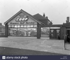 Barnsley Co-op, Smithies Branch Exterior, South Yorkshire, 1961 Stock Photo…