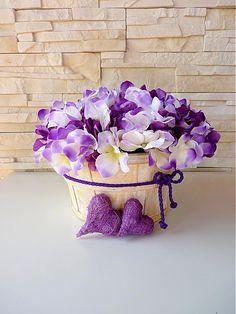 fialove dekoracie do bytu - Hľadať Googlom Most Beautiful Pictures, Valentines Day, Floral Wreath, Presents, Wreaths, Purple, Stairs, Restaurant, Decorations