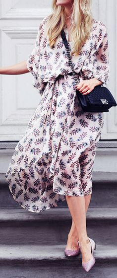 Flowy dresses like this are perfect in the Texas heat. The shield your arms from the sun and allow your skin to breathe