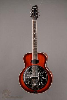Taylor 610ce Dreadnought Honey Sunburst Acoustics