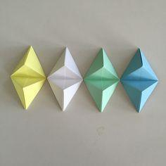 Adrian Jade Vintage: Origami Shenanigans Tutorial Origami Wall Art, Origami Paper Art, Diy Origami, Diy Paper, Paper Crafts, Origami Boxes, Dollar Origami, Paper Origami Flowers, Origami Flowers Tutorial