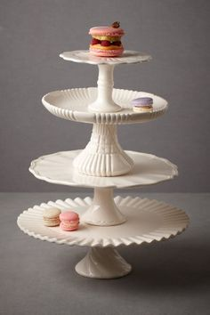 """Royal Icing Cake Stands"" (can also make cake plates by super gluing cut glass candlestick or dessert cup to pretty plate. Cake And Cupcake Stand, Cupcake Cakes, Cupcake Display, Design Vitrail, Royal Icing Cakes, Kitchenaid, Cake Pedestal, Dessert Aux Fruits, Vegetable Nutrition"