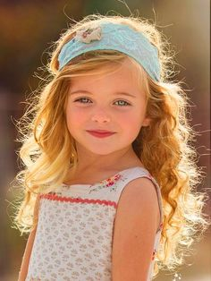 Curly short hair styles always look adorable on little girls. As a result, we see many young girls sport curls. And since children do not take much care of Precious Children, Beautiful Children, Beautiful Babies, Cute Kids, Cute Babies, Baby Kids, Baby Boy, Pretty Kids, Beautiful Little Girls
