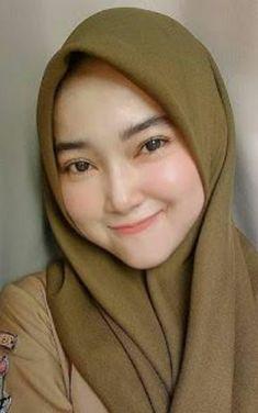 Big Fashion, Hijab Fashion, Muslim Beauty, Beautiful Muslim Women, Baggy Clothes, Indonesian Girls, Turkish Fashion, Girl Hijab, Hijab Dress
