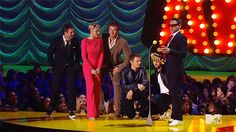 Watch the Avengers Bow Down to Robert Downey Jr. at the MTV Movie Awards | Vanity Fair
