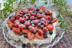 Denne kage du gøre i 10 minutter! Ny favorit - Franciska Beautiful World Cookie Recipes, Dessert Recipes, Great Recipes, Favorite Recipes, Norwegian Food, Wheat Beer, Sweet Cakes, Pavlova, Easy Desserts